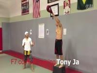 热点视频 《速度与激情7》范迪塞尔与托尼贾训练-游戏