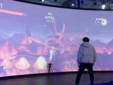 玩家现场体验《火影忍者》互动游戏